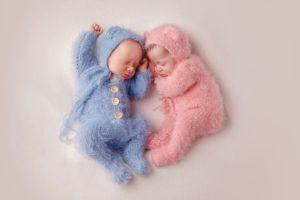 Zosia i Ignaś sesja noworodkowa bliźniąt