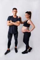 Paulina sesja ciążowa studyjna, glamour i na sportowo