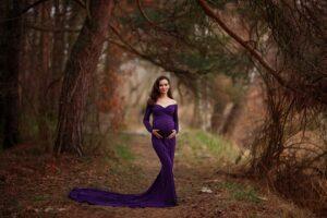 Natalia sesja ciążowa plenerowa w lesie
